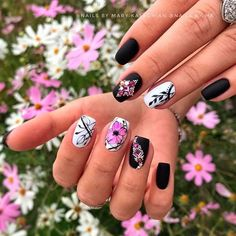 Hand Painted Flowers For Your Short Coffins ❤ 35+ Magnificent Coffin Nails Designs You Must Try ❤ See more ideas on our blog!! #naildesignsjournal #nails #nailart #naildesigns #nailshapes #coffins #coffinnails #coffinnailshapes