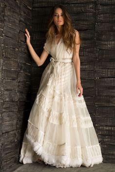 Plus Size Designer Dresses: Stylish, Flattering & Sexy Indian Fashion Trends, Indian Designer Outfits, Designer Dresses, Pakistani Dresses, Indian Dresses, Indian Outfits, Dresses Short, Petite Dresses, Indian Attire