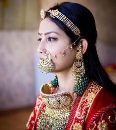 Terrific Cost-Free Bridal Jewellery rajasthani Popular Through wedding rings and bracelet to be able to ear-rings plus pendants, this is a very few tips to Indian Wedding Bride, Indian Wedding Jewelry, Bridal Jewelry, Indian Jewelry, Gold Jewelry, Rajput Jewellery, Rajasthani Dress, Traditional Indian Jewellery, Rajputi Dress