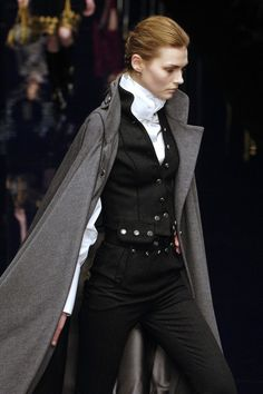 Dolce & Gabbana at Milan Fall 2006  when did women dressing like badass androgynous, vaguely steampunk styles even go out of fashion because they need to go in fashion