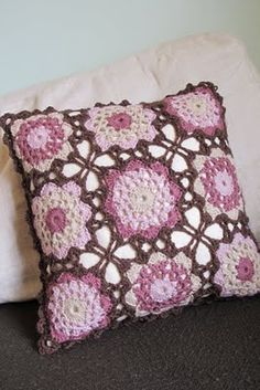 : Off the hook :: cushion cover {using sunshine and shade throw pattern by katerine eng} Crochet Cushion Cover, Crochet Pillow Pattern, Knit Pillow, Crochet Motif, Knit Crochet, Crochet Patterns, Crochet Cross, Crochet Home, Love Crochet