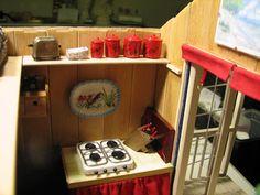 Mine dukkehuse: Hylder med madvarer