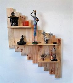 The first wood pallet upcycling idea is for creating something that looks artistic as well as allows a space to place the decorative items to enhance the beauty of the area.