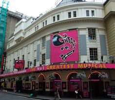 Theatre tickets, Theatre breaks and show information for Jersey Boys at Piccadilly Theatre. Discounted theatre tickets for top London shows. Secure online tickets for west end shows, musicals, plays, and comedy. Piccadilly Theatre, Best Holiday Packages, History Of England, Theatre Shows, Theater Tickets, Fun Days Out, London Theatre, Jersey Boys, West End