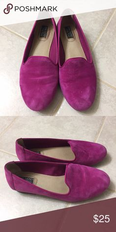 Me too Adam tucker Yale flats Worn- very comfortable, adds a pop of color to any outfit! On all worn shoes, please refer to pictures for any minor marks and details me too Shoes Flats & Loafers