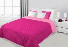 Amarantovo-ružový prehoz Paula je dostupný v dvoch rozmeroch: 170x210 alebo 220x240 cm.