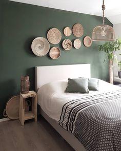 ustgreenleaves on Instagra Home Decor Bedroom, Interior Design Living Room, Living Room Decor, Interior Livingroom, Bedroom Green, Bedroom Colors, Home Decor Accessories, Cheap Home Decor, Home And Living