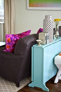 Foldaway dining table from Society Social.  @Lies Liz: goed idee voor je nieuwe appartement of huisje. Plaats besparen en heel handig!