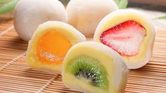 fruit mochi Glutinous rice flour water sugar 4 strawberries potato starch little bit mix glutinous rice flour, water & sugar, microwave for 3 mins. roll mochi in potato starch Cute Desserts, Asian Desserts, Asian Recipes, Dessert Recipes, Cute Food, Yummy Food, Japan Dessert, Comida Diy, Mochi Recipe