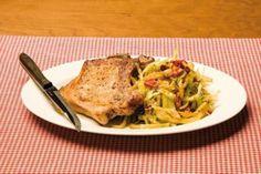 Svinekoteletter Cavo al peperoncino. Perfekt for deg som liker å krydre kotelettene litt ekstra. Food Porn, Pork, Meat, Alternative, Kale Stir Fry, Pork Chops, Treats