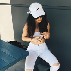 marycake style - cap, crop top and jeans
