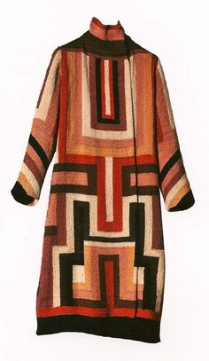 Sonia Delaunay: This Russian artist was brilliant with her use of colors, cubism, and geometric shapes. Not only did she design clothes but also textiles, porcelain and furnishings. 20s Fashion, Moda Fashion, Fashion History, Fashion Models, Vintage Fashion, Sonia Delaunay, Robert Delaunay, Textiles, 20s Mode