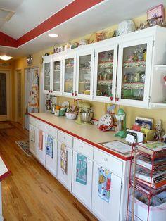 Retro Kitchen 6