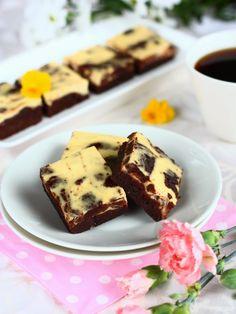 Suklaapossu: Herkulliset appelsiini-suklaabrowniepalat Sweet Pie, Chocolate Recipes, Desserts, Food, Pastries, Tailgate Desserts, Deserts, Essen, Tarts