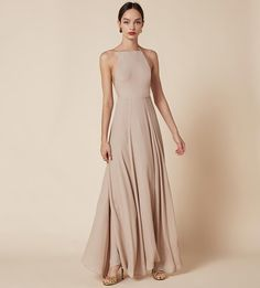 Frossen Dress : A classic Ref shape - fit to make you look wow, also fit for pretty much every occasion. This is a floor length dress with an open back, fitted bodice and a high neckline. Simple Dresses, Pretty Dresses, Beautiful Dresses, Bridesmaid Dresses, Prom Dresses, Formal Dresses, Wedding Dresses, Quoi Porter, Satin Dresses