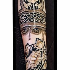 For this type of Exclusive Bridal mehndi art Contact bridal mehndi artist - Jyoti Chheda - Available Worldwide for Bridal Mehndi & Classes +919819352829 #portraitmehndi #Bridalmehndidesign #mehndidesign #Mehendiartist