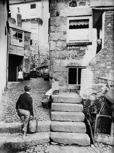 St Ives Cornwall, Devon And Cornwall, Cornwall England, Antique Photos, Vintage Photos, Old Pictures, Old Photos, Cornish Cottage, Penzance Cornwall