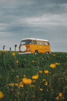 Most Popular Aesthetic Photography Yellow 23 Ideas Summer Aesthetic, Aesthetic Vintage, Aesthetic Photo, Aesthetic Pictures, Aesthetic Yellow, Aesthetic Pastel, Aesthetic Grunge, Travel Aesthetic, Bedroom Wall Collage