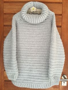 Chunky crochet pullover Pattern: The Portlynn Pullover ( http://www.thevelvetacorn.com/about.html )
