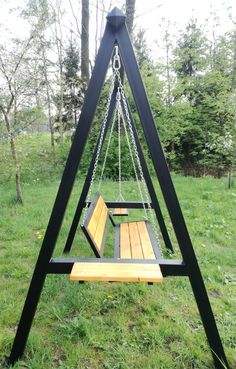 Outdoor Furniture Small Space, Outdoor Furniture Plans, Swing Table, Porch Swing, Welded Furniture, Industrial Furniture, Furniture Projects, Garden Furniture, Gate Design