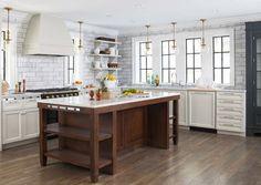 Depois da reforma, o espaço em uma casa de 1928 ficou quatro vezes maior e ganhou materiais e acabamentos mais modernos