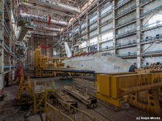 スペースシャトルも丸ごと放棄。廃墟となったロシアの巨大格納庫 写真22枚:小太郎ぶろぐ