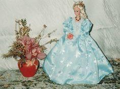 Poupée - Robe Dame d'antan