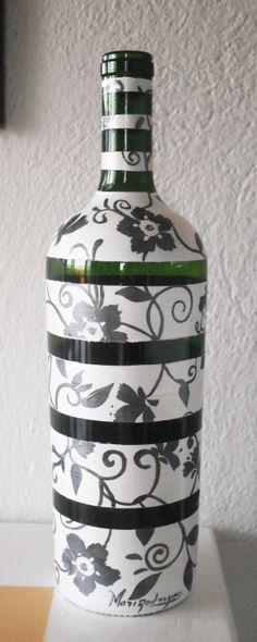 Garrafa de vinho reciclada.
