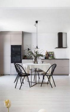 The best Dining Room Lighting Ideas Rustic Kitchen Design, Kitchen Models, Scandinavian Kitchen, Dining Room Lighting, Dining Rooms, Dining Area, Best Dining, Home Design, Design Blog