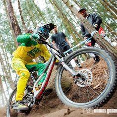#TB de @rafaelgutierrez6 en el #panamericanomtb2015 para @daunjilero   #mtb #downhill #downhillcolombia #mountainbiking #dh #specialized #specializedbikes #sworks #tld #troyleedesigns @specialized_co @specialized_concept_store #flow #biking  by seven.clicks