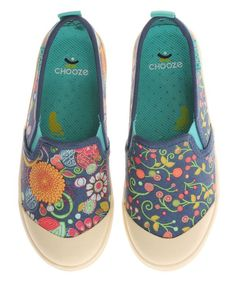 Give your little ones the joy of creative freedom with these complementary mix-and-match sneakers. The fun prints go nicely together, so the pairing looks deliberate while offering a fun and unique alternative to traditional styles.