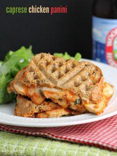 Caprese Chicken Panini | www.julieseatsandtreats.com | #chicken #caprese #panini