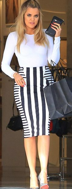 Khloé Kardashian stuns in striped pencil skirt after revealing James Harden cheated Estilo Khloe Kardashian, Kardashian Beauty, Kardashian Jenner, Kardashian Clothing, Kylie Jenner Boyfriend, Stripe Skirt, Black Stripes, Cute Outfits, Classic Outfits
