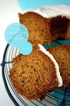Möhrenkuchen mit Zitronenguss (vegan)
