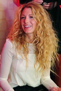 Blake Lively capelli ricci