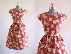Hey, diesen tollen Etsy-Artikel fand ich bei https://www.etsy.com/de/listing/546179225/vintage-1940s-dress-40s-cotton-dress