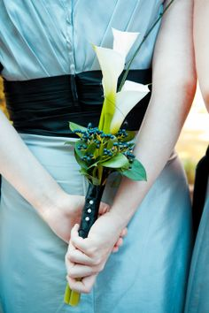 Nice simple minimalistic bouquet with Calla Lilies! :)