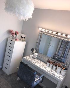 Teen Bedroom Designs, Bedroom Decor For Teen Girls, Teen Room Decor, Room Ideas Bedroom, Cute Bedroom Ideas, Dressing Room Decor, Beauty Room Decor, Glam Room, Cute Room Decor