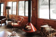 The Arnold House experience begins before you even arrive. We spoke with owners, Sims Foster and Kirsten Harlow Foster, about their modern rustic retreat in Sullivan County, Catskills. They explained that guests arrive with expectations already high; they've been excited for this country escape since before they booked their stay. Located near enough to New …