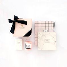 Soft pink makes everything look pretty! // Arma tu cajita de regalo con los productos que mas te gusten!! www.toystyle.co #toystyle #nailpolish #stationery #bookofdreams #whitemarble #pinkgrid #sketchbook #pastels #giftbox #pocketnotebook #soycandle