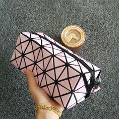 HOT!!! bao bao Variedade de modelagem 3D Acolchoado bolsa de maquiagem marca de luxo Coreano versão de o quadrado mágico portátil Sacos Cosméticos