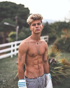 Cute Blonde Guys, Cute White Guys, Blonde Boys, Cute Guys, Beautiful Boys, Pretty Boys, Motivation Regime, Abs Boys, Surfer Boys