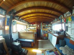 houseboat in Seattle http://tinyhouseswoon.com/pintxos-houseboat/