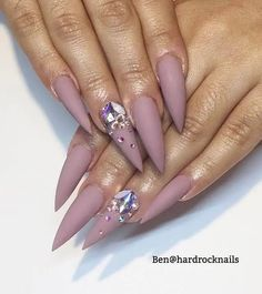 Lilac Mountain Tipped Nails with Diamonds Classy Nail Designs, Nail Polish Designs, Nail Art Designs, Wow Nails, Cute Nails, Pretty Nails, Diamond Nail Designs, Diamond Nails, Bling Nails
