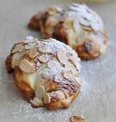 Almond Croissants, my Sunday treat, recipe yum! Croissants, Breakfast Desayunos, Breakfast Recipes, Dessert Recipes, Breakfast Healthy, Health Breakfast, Bread And Pastries, French Pastries, Just Desserts
