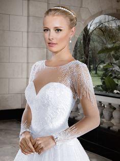 Callas 02 - frente (detalhe) #coleçãocallas #vestidosdenoiva #noiva #weddingdress #bride #bridal #casamento #modanoiva