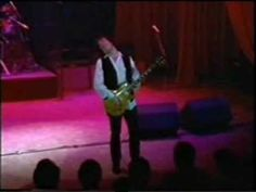 Amazingly soulful guitar rendition. Gary Moore - Need your love so bad