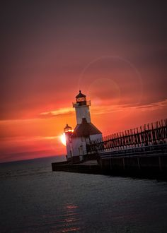 """500px / Photo """"North Pier Lighthouse"""" by Jerry Joanis"""