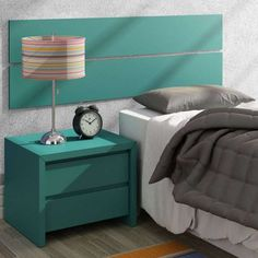 Cabeceira e criado mudo turquesa? Também tem na Mobly para você decorar o quarto de solteiro ;)