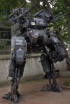 Who would be a worthy opponent for this Giant Robot Mech? Mobile Armored Tactical Platform (MA-TP) by Chinese mech sculptor ProgV who made it from his dad's old Nissan truck. Arte Sci Fi, Sci Fi Art, Robot Concept Art, Armor Concept, Robot Militar, Cyberpunk, Military Robot, Nissan Trucks, Arte Robot